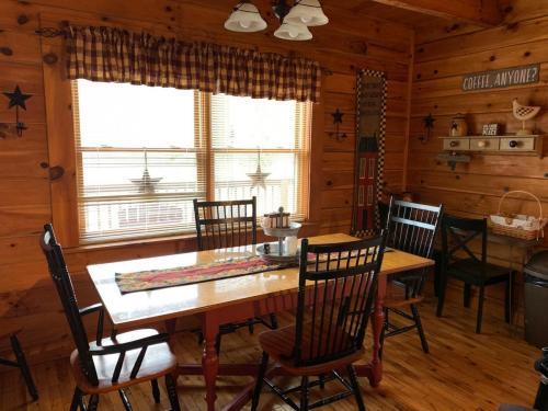 08 dining room 2